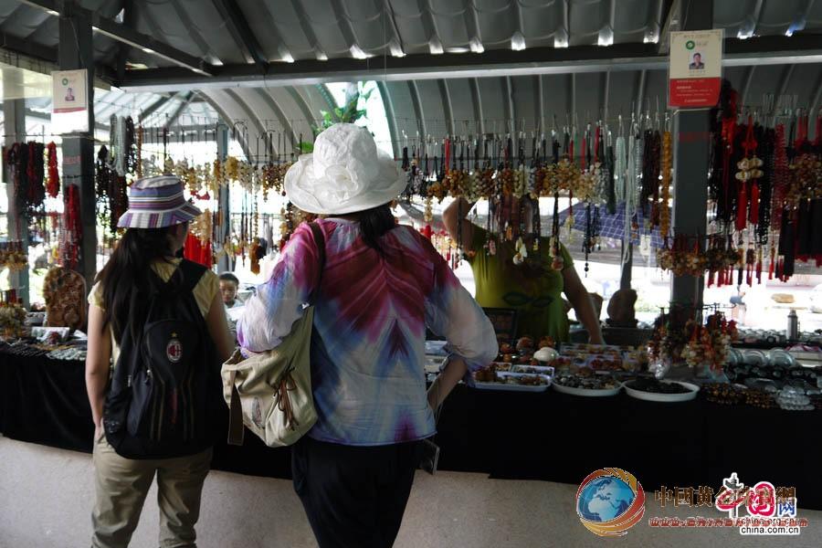云南芒市珠宝小镇:感受芒市迷人的珠宝文化